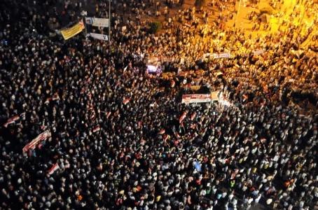 Autoritarismo, Primavera Árabe e revolução inacabada