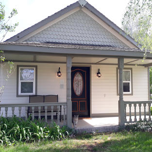 Courthouse Cottage front exterior