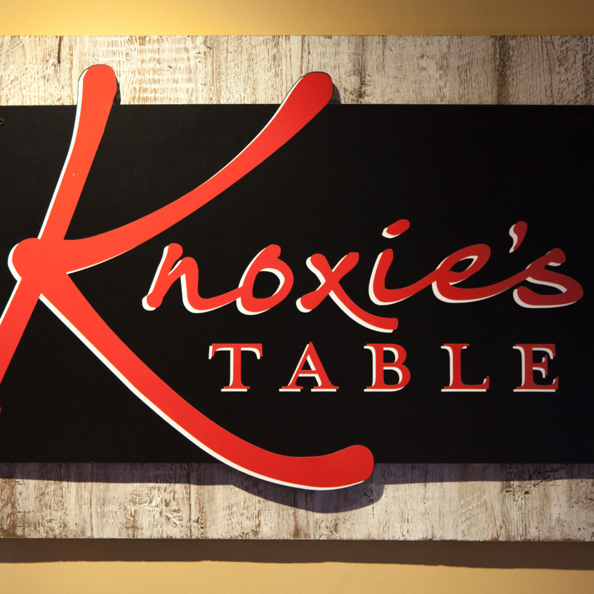 Knoxie's Table Sign