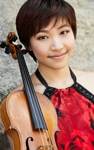 Violist Mary SangHyun Yong