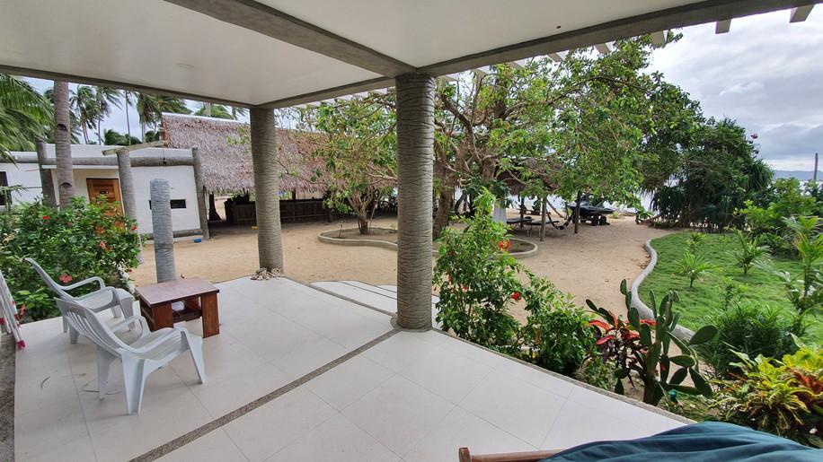 pili-beach-appartment-8-beachfront-terra