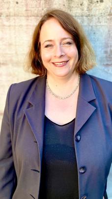 Dr. Myriam Dunn Cavelty