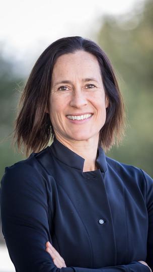 Dr. Maya Bundt