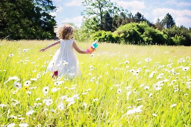 little-girl-running-joy_640.jpg
