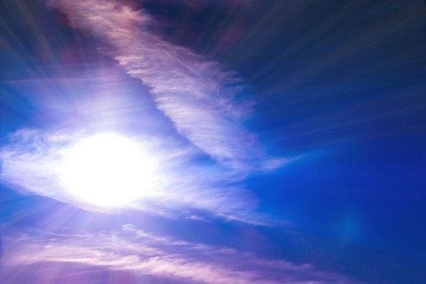 sun-shining-clouds blue sky_640.jpg