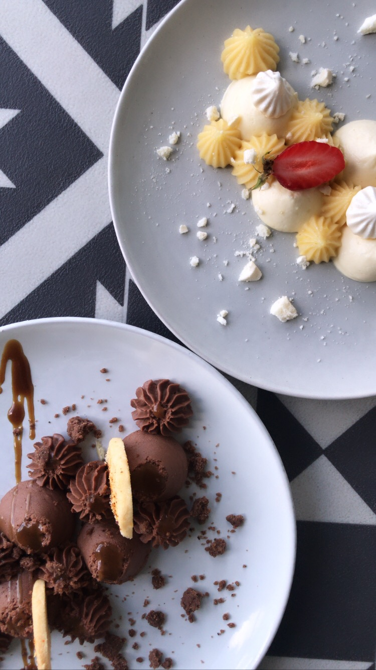 Tartes citon yuzu et chocolat destructur