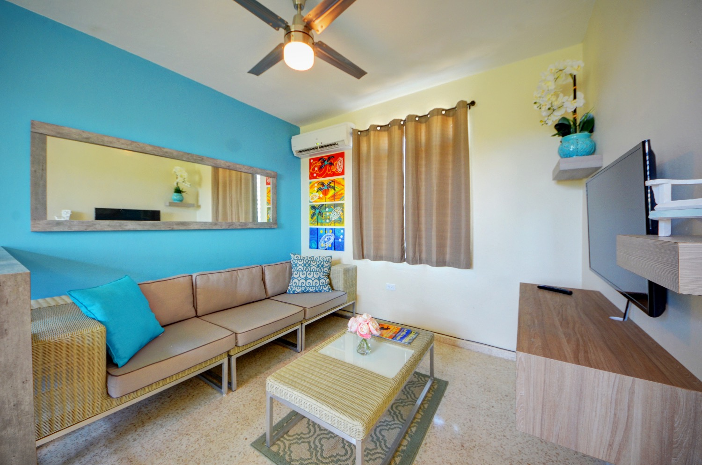Unit 5 livingroom
