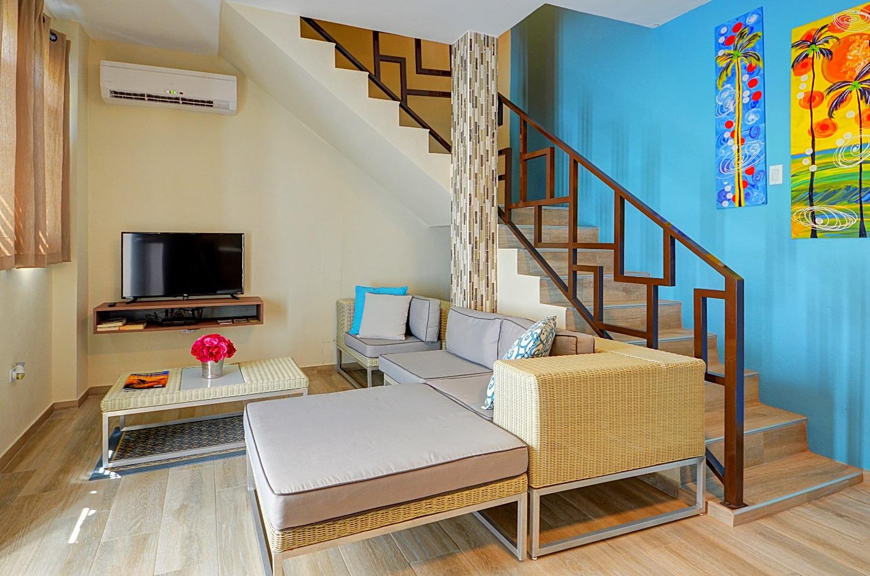 Honeymoon Suite Lower Floor
