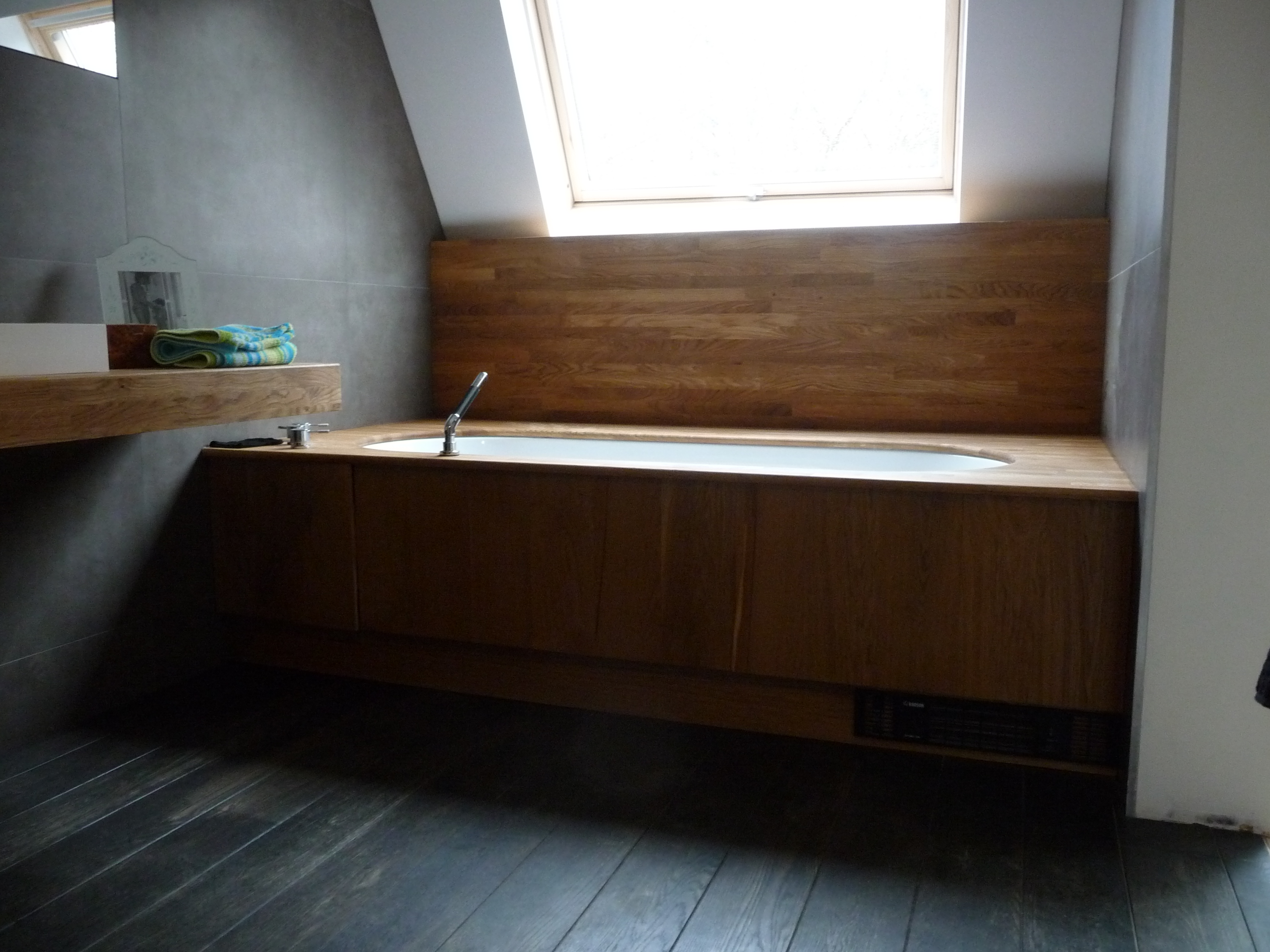 Oa bathtub casing
