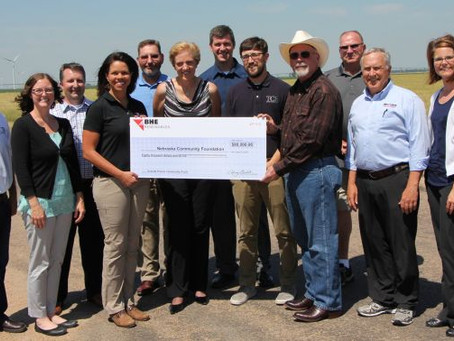 BHE Renewables Presents $80,000 to Holt County Community Funds