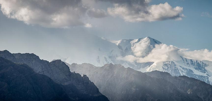 Clouds around Mount Blackburn
