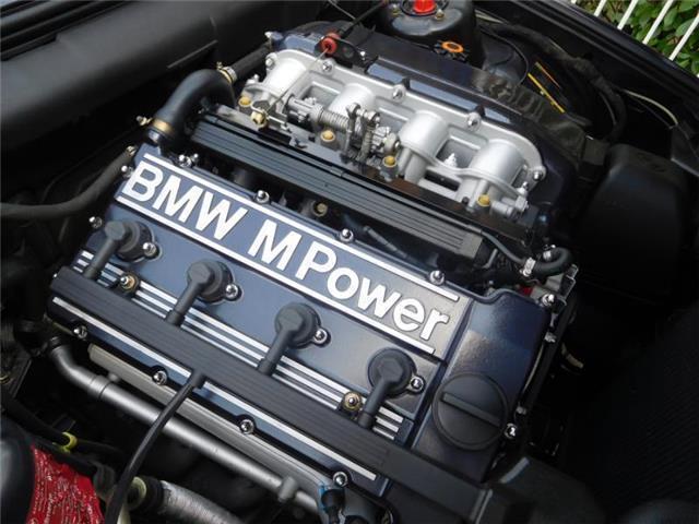 E30M ENGINE BAY