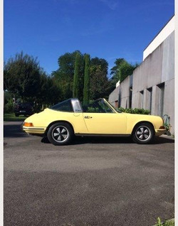 1971 911 Targa yellow