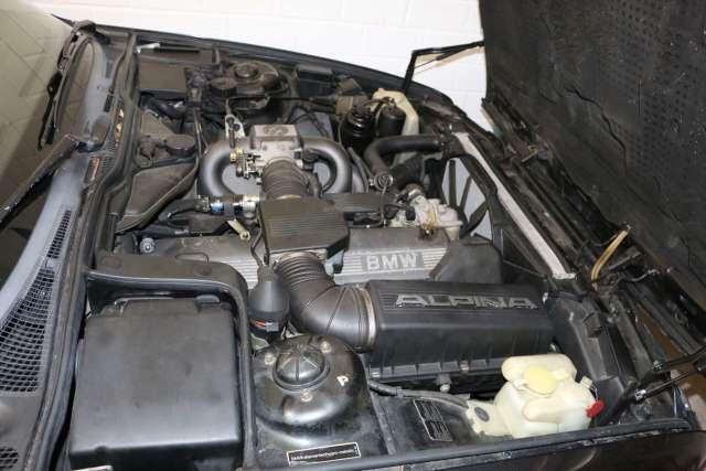 e34 Alpina engine bay