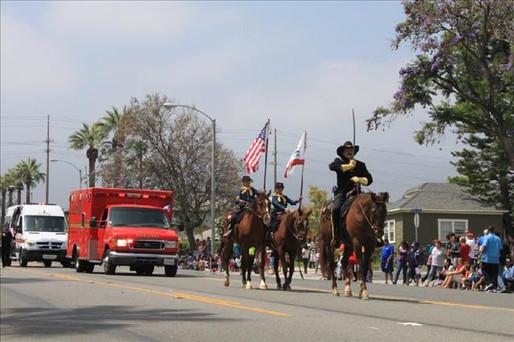 tn_480_Corona_parade_2010__11__jpg.jpg