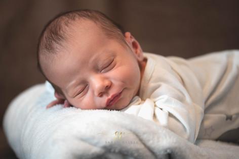 photo de nouveau né à domicile
