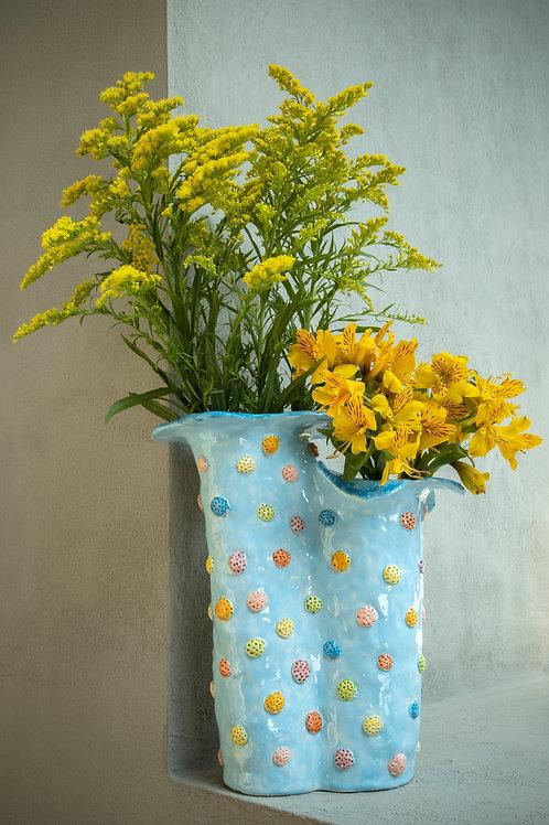 Florero flores con lunares