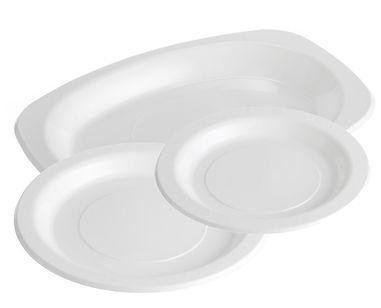 White-plastic-plates.jpg