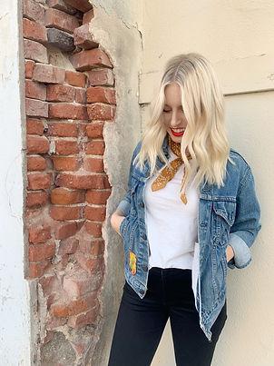 Heather VanHuss, Hermosa Beach Hair Stylist, Levi's denim jacket, mustard neck scarf, red lipstick