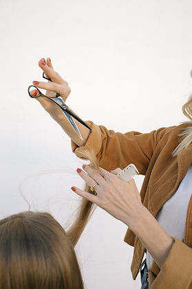 Heather VanHuss, Hermosa Beach Hair Stylist, mizutani scissors, YS Park comb
