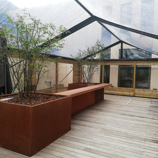 Tente transparente – Plexiglass – bardage en bois