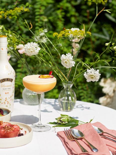Baileys Almande Cocktail Content Creation