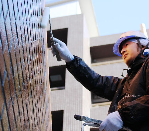 自社施工で塗装を行います