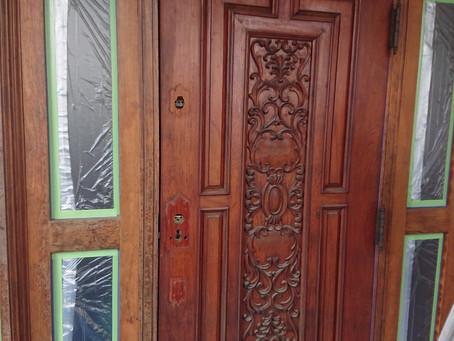 木彫りドア 塗り替え