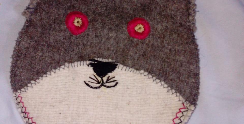 Bolso de lana con forma de gato