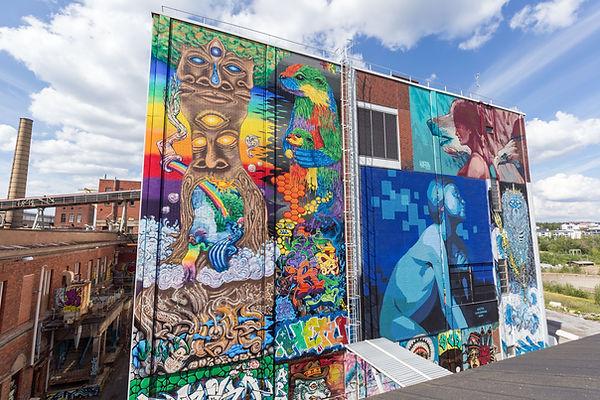 Whole wall_Mural by Uni-Versumi left.jpg