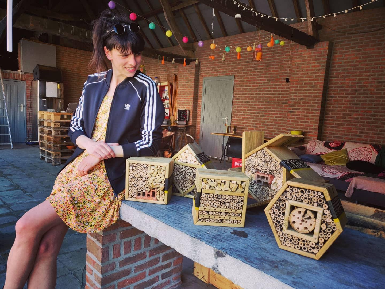 Zelfgemaakte bijenhotel
