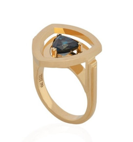 Reverso Triangle Ring