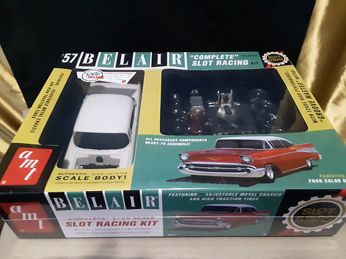1/25 scale AMT 57 BelAir retro deluxe edition AMT746/12
