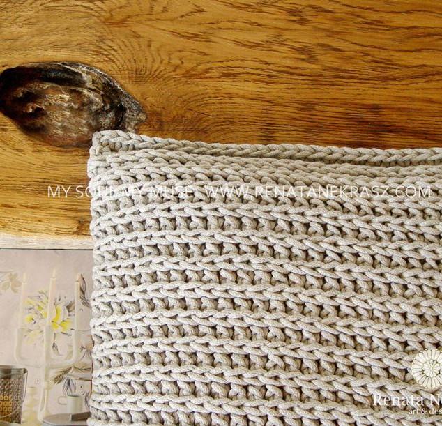 Handmade crochet pillow (4).jfif