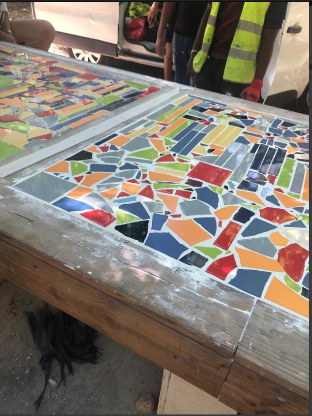 MOSAIQUE SUR TABLE