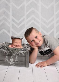 newborn photographer in newport