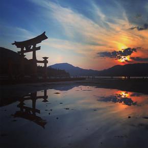 הטורי הצף במיאג'ימה הירושימה יפן