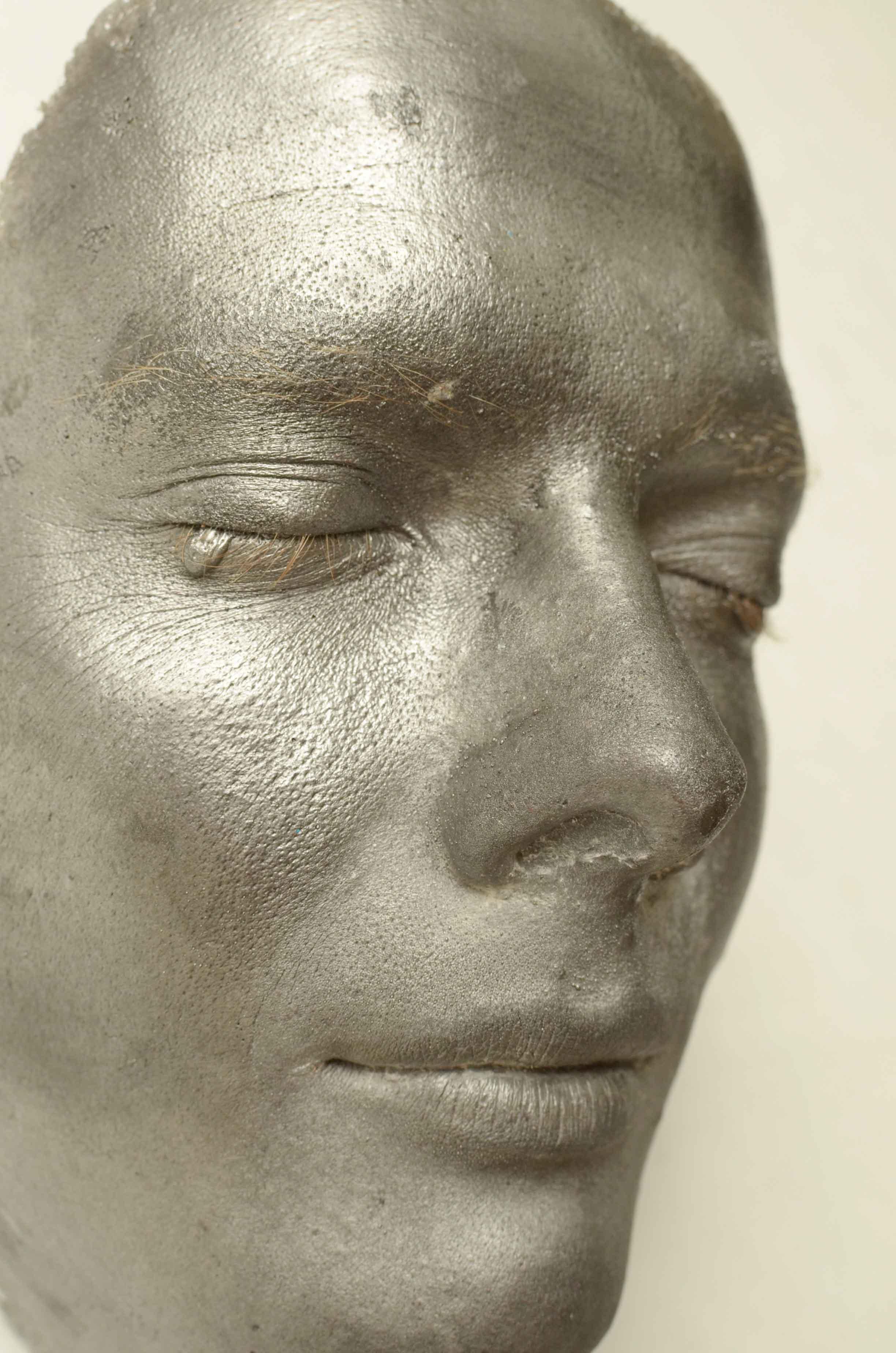 Side profile of face cast