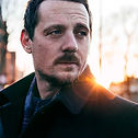 Sturgill_Simpson_photo_2016_(cropped).jp