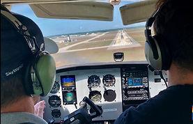 Cessna%20172%20Cockpit_edited.jpg