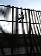 Borderwallbrownsvile.jpg