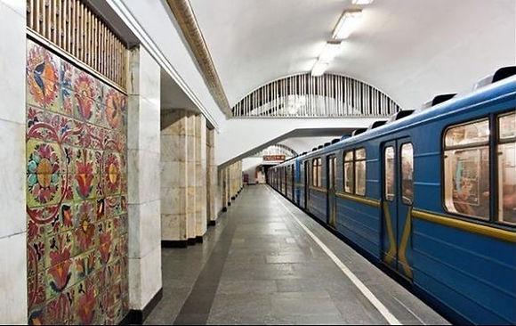 Метро станція Хрещатик.jpg