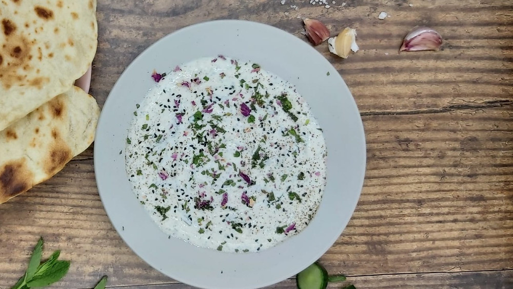 Cucumber and Yogurt Dip - Mast-o-Khiyar