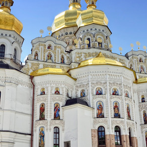 Kyiv-Pecherska Lavra quick tour guide