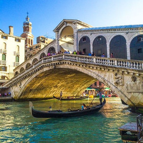 Rialto Bridge | Italy's oldest and most visited Bridge
