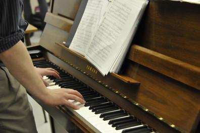 Piano+hands.JPG