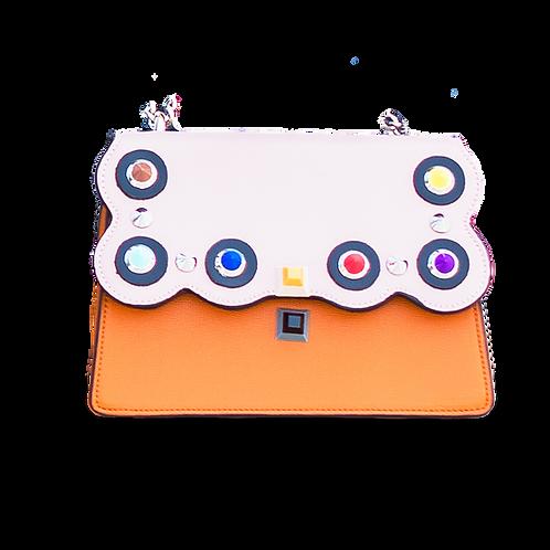 Двуцветна дамска чанта с декоративни елементи