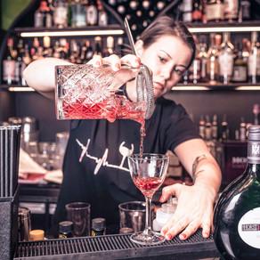 Probka & Shtopor - cozy bar at the Pond