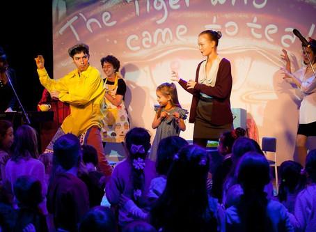 Flying Bananas - English kids theatre