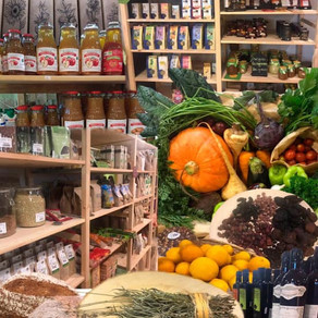 Whole and organic foods grocery